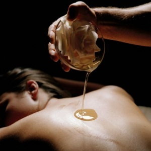 essential-oil-for-body-massage