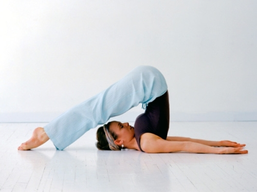 yoga-inversion_poses_image_title_ig46r